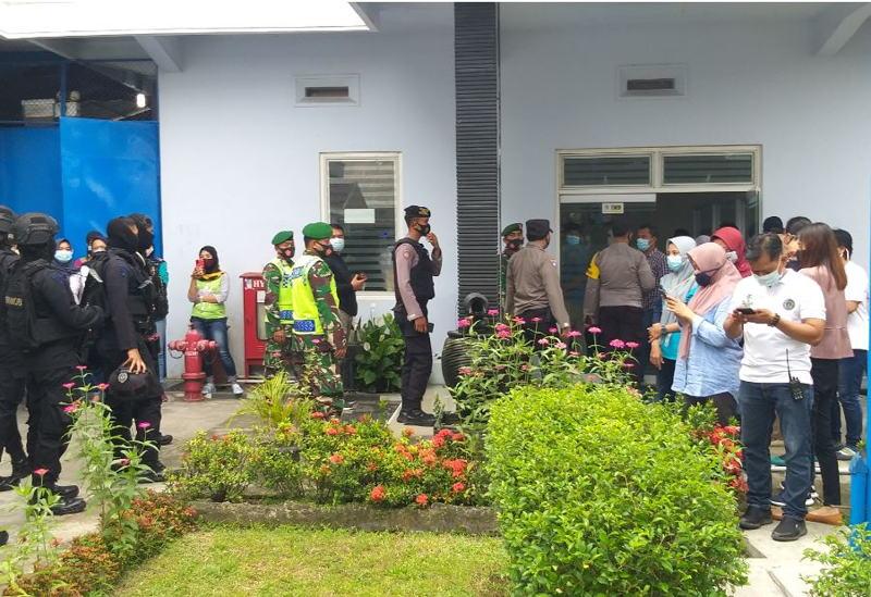 Tuntut THR Dilunasi, Ratusan Karyawan Pabrik Pakaian Dalam di Klaten Mogok Kerja