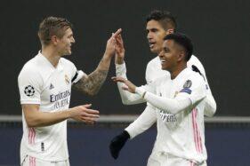 Para pemain Real Madrid merayakan gol. (REUTERS/Alessandro Garofalo)