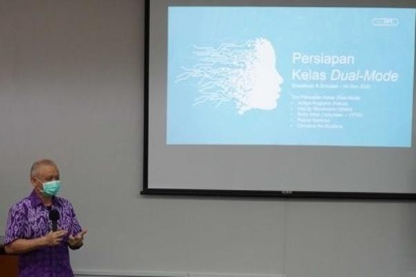 Rektor UK Petra Surabaya Prof. Dr. Ir. Djwantoro Hardjito, M. Eng.