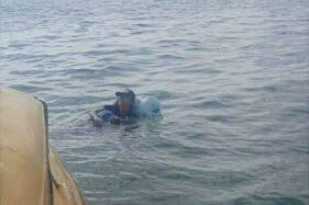 Kantong Kering, Pria dari BalikpapanNekat Menyeberang Laut Pakai Galon