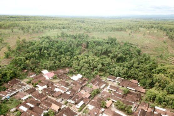 Rumah warga di Dusun Dawuhan, Desa Tawangrejo, Kecamatan Gemarang, Kabupaten Madiun, dilihat dari atas. (Istimewa/BPBD Madiun)