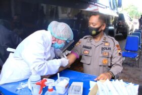 706 Anggota Polres Sukoharjo Jalani Rapid Test Jelang Coblosan