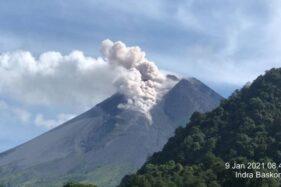 6 Jam, Gunung Merapi 17 Kali Gugurkan Lava Pijar