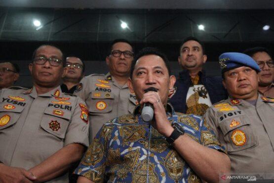 Kabareskrim Polri, Komjen Listy Sigit Prabowo (tengah). (Antara)