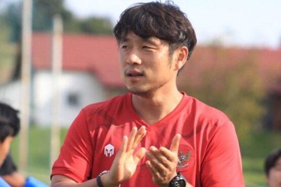 Pelatih fisik Timnas Indonesia U-19, Lee Jae-hong ungkap fisik Timnas semakin membaik. (Instagram/@rogerio2026a)
