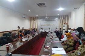 Pengrajin Tahu & Tempe Kartasura Wadul ke DPRD Sukoharjo Soal Kedelai Mahal