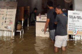 Rezeki Justru Banjiri Kafe di Kalbar saat Banjir, Begini Kisahnya...