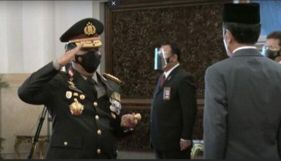 Jenderal Listyo Sigit Prabowo dilantik sebagai Kapolri oleh Presiden Jokowi di Istana Negara, Rabu (27/1/2021). (Detik.com)