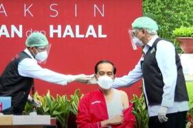 Terima Suntikan Kedua Vaksin Covid-19, Jokowi Targetkan Vaksinasi untuk Umum Dimulai Februari
