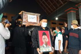 Ratusan Kader Pagar Nusa Sragen Ikut Antar Jenazah Korban Tragedi Sriwijaya Air ke Permakaman