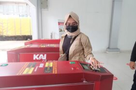 Hari Pertama KRL Jogja-Solo Beroperasi, Penumpang: Perlu Membiasakan Tapping Kartu