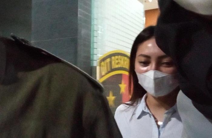 Terkait Kasus Prostitusi Artis TA, Polisi Periksa Model Seksi Sassha Carissa