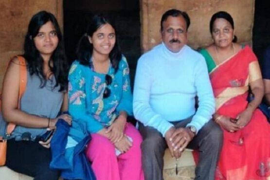 Kedua orang tua tikam dan pukul dua putrinya (Times of India)