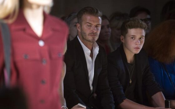 David Beckham dan putranya, Brooklyn Beckham. (Reuters/Carlo Allegri)