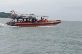 Kapal Nelayan Vs Kapal Niaga di Batang, 12 ABK Masih Hilang