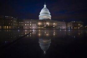 4 Orang Dilaporkan Tewas Saat Massa Trump Serbu Gedung Capitol AS