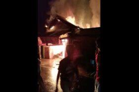 Toko Dekat Pasar Pesido Jatiroto Wonogiri Ludes Terbakar