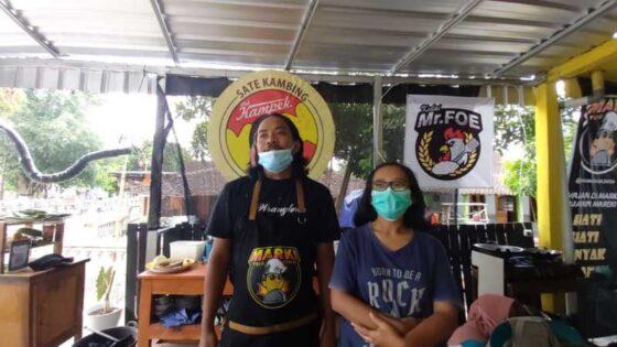 Pasangan suami istri Anggit dan Ika, pedagang satai kambing di Marki Food Center yang sempat adu mulut dengan Bupati Sukoharjo dan viral di medsos. (Solopos/Indah Septiyaning W)