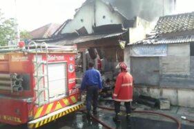 Uang Rp70 Juta Ikut Hangus, Ini Dugaan Penyebab Kebakaran Toko Kelontong Jajar Solo