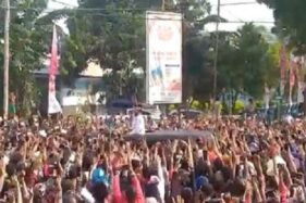 Jokowi Langgar Prokes di NTT, Politikus Ramai Menyindir