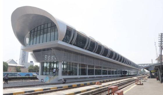 Stasiun kereta bandara Solo (Solopos)