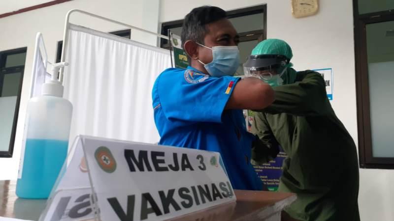 Vaksinasi Tahap Kedua di Kota Madiun Dimulai, Prioritas Petugas Pelayanan Publik