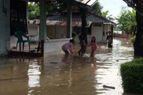 Bengawan Solo Meluap, Rumah Warga Jebres Solo Terendam Banjir