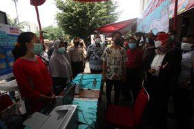 Hari Pertama Jadi Wali Kota Solo, Gibran Keliling Pasar Hingga Simpang Joglo