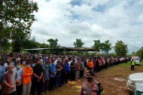Pemakaman Pimpinan MTA Ahmad Sukina Dibanjiri Para Pelayat