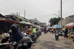 Warga di Semarang Berbondong-Bondong ke Pasar Jelang Jateng di Rumah Saja