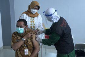 Tak Semua Bisa! Ini Aturan Lengkap Vaksinasi Covid-19 untuk Lansia