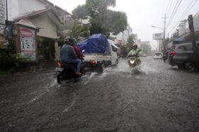 Hujan Deras, Viaduk Gilingan Dan Beberapa Ruas Jalan Solo Tergenang