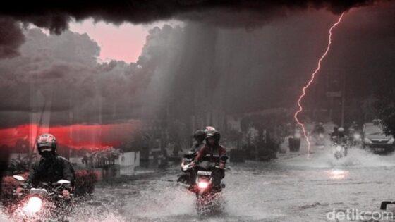 Ilustrasi Hujan Deras Angin Kencang Genangan Air (Detik.com)