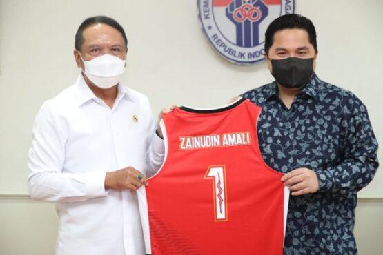 enteri Pemuda dan Olahraga (Menpora) Zainudin Amali menerima kunjungan Menteri Badan Usaha Milik Negara(BUMN) Erick Thohir di Gedung Kemenpora, Jakarta Pusat, Rabu (10/3/2021).