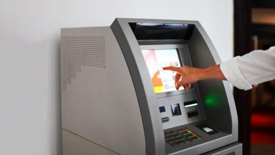 Mesin ATM/aplustoper