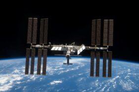 2,9 Ton Sampah Baterai di Orbit, Butuh 4 Tahun untuk Jatuh ke Bumi