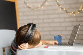 Belajar Daring Lama-Lama Membosankan