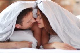 Wanita Rasakan Efek Samping Hubungan Intim Ini, Normal Enggak Ya?