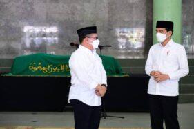 Presiden Jokowi Melayat Mendiang Artidjo Alkostar di Kampus UII Jogja