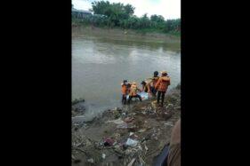 Laki-Laki Terjun Dari Jembatan Sungai Grogol Sukoharjo Ditemukan Di Pucangsawit Solo