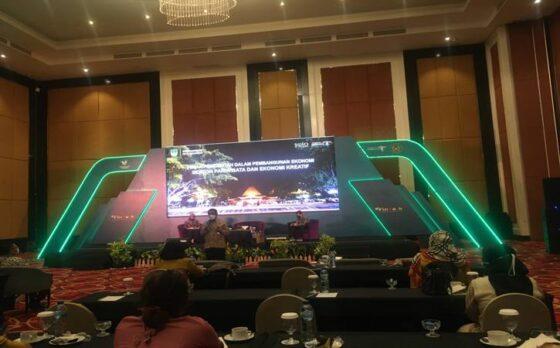 Webinar bertajuk Mendorong Potensi Wisata Melalui Pembiayaan Homestay pada Selasa (23/3/2021).(Farida Trisnaningtyas/Solopos)