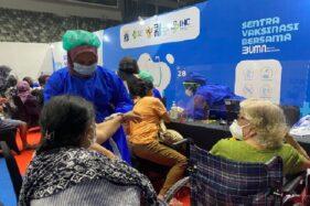 Animo Lansia Meningkat di Sentra Vaksinasi BUMN