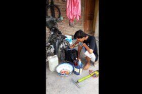 Pelajar SMK Buka Tambal Ban Panggilan Di Soloraya: Tak Kapok Meski Sering Tombok