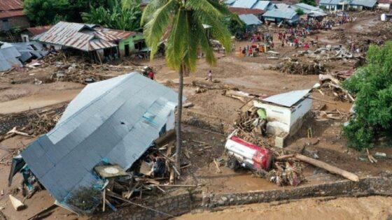 Foto udara situasi terakhir kerusakan yang diakibatkan banjir bandang di Waiwerang, Adonara Timur, Kabupaten Flores Timur, Nusa Tenggara Timur, Selasa (6/4/2021). (Antara)