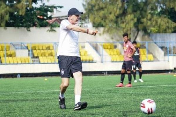 Bocor? Pelatih PSIS Mengaku Kantongi Kelemahan PSM