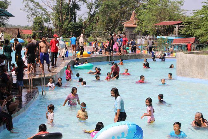 Pengunjung Serbu Wisata Air di Klaten Saat Padusan, Pemkab Belum Temukan Pelanggaran Prokes