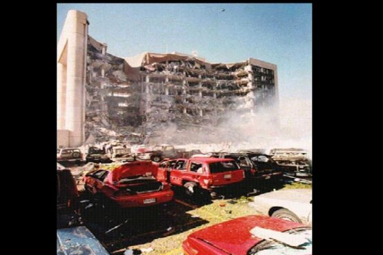 Pengeboman Oklahoma City pada 19 April 1995. (Wikipedia.org)