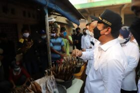 Menteri Trenggono Kunjungi Sentra Pengolahan Ikan Asap di Demak, Ini Harapannya