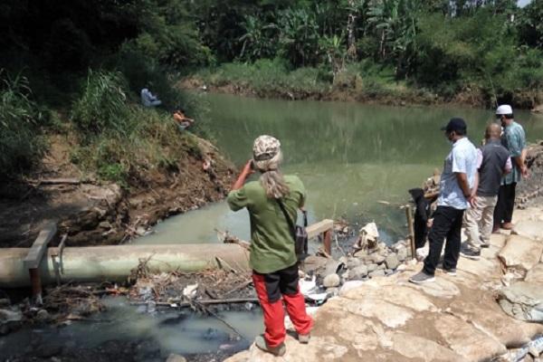 Dapat Aduan Warga Nguter, BBWSBS Turun ke Sungai