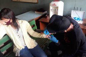 Walah! Cincin Kawin Tak Bisa Dilepas, Ibu Muda Sragen Dilarikan ke Satpol PP